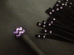 purple rivet flogger 002 medium